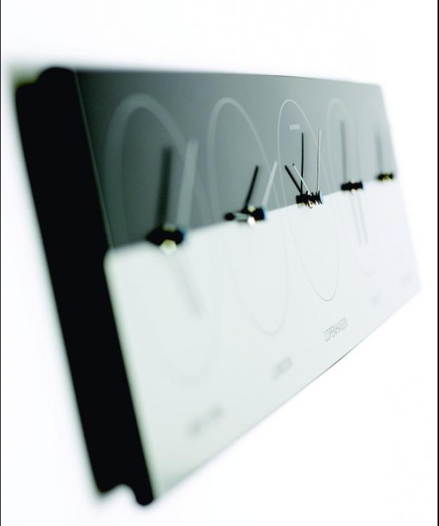 weltzeit uhr wanduhr 5 weltzeiten uhrzeit in aller welt jacob jensen design 31600. Black Bedroom Furniture Sets. Home Design Ideas